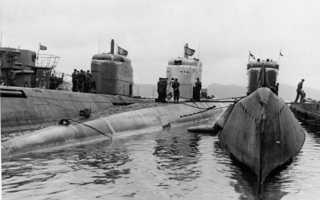подводные лодки Подводные базы нацистов