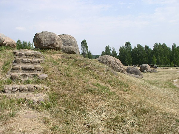 Музей валунов. Камень Дзед. Языческое капище
