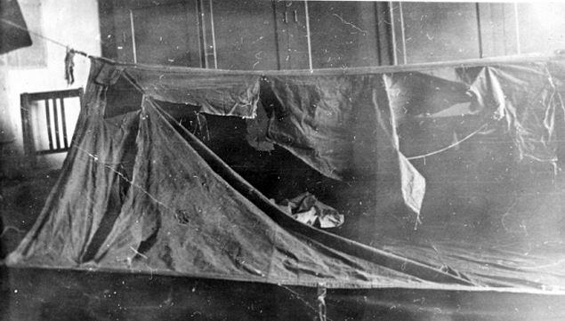 Палатка Дятловцев была разрезана изнутри