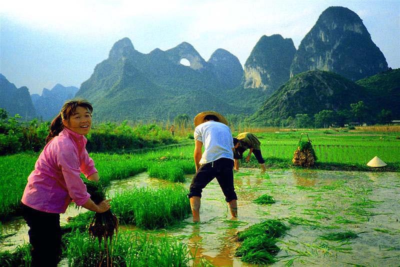 China_Yangshou_Moon_Hill