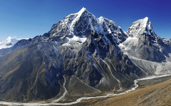 mounting_everest