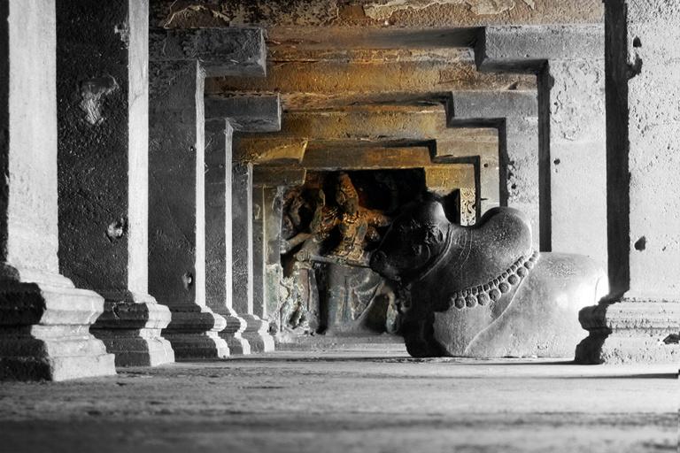Аджанты пещерный храм созданный более двух тысяч лет назад