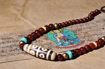 Обзор. Бусины Дзи древние тибетские артефакты